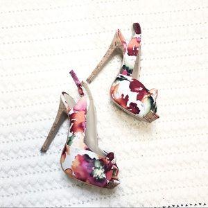 Aldo sling back peep toe floral pattern size 6